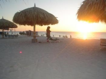 Aruba at sunset - A picture of the beach at Aruba. I took many pictures of this sunset: it was so awesome!