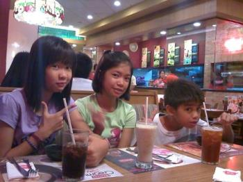 My Kids - This was a Day out on Shakey's