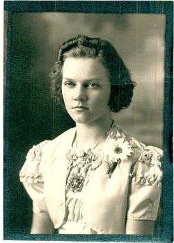 Photo of my mother when she was young - My mother's confirmation photo