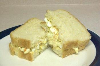 Mayonnaise in my sandwhich - Egg mayo sandwich