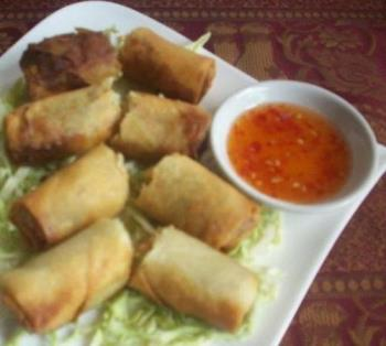 Fried lumpia roll - Mixed vegetable rolled into one