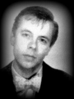 Timid? - This young man, actually me many years ago, looks/looked somewhat reserved doesn't/didn't he? Actually I wasn't at all for the most part...