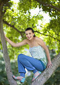 climb with me! :) - come and let's climb a tree! I know we can make it! :)