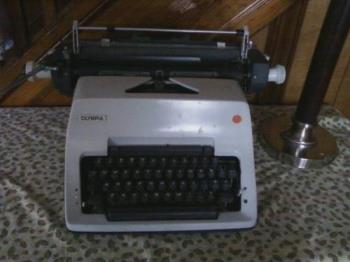 typewriter - my daugthers typewriter