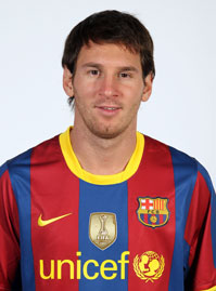 Spain needs Messi in the team to play real tiki ta - Spain needs Messi in the team to play real tiki taka.