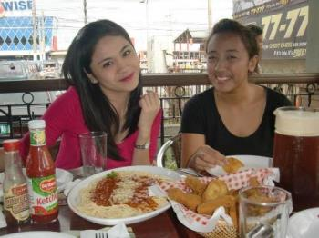 Bonding over plates of food - Friends for keeps