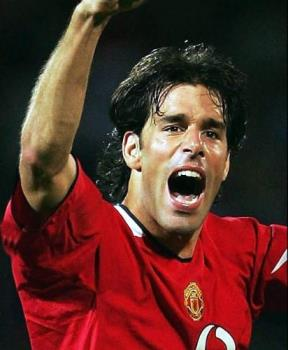 Ruud Van Nistelrooy would do more damages with bal - Ruud Van Nistelrooy would do more damages with balls fed by the midfielders