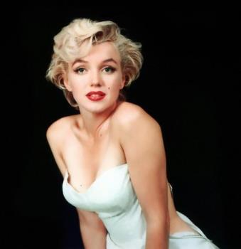 Marilyn Monroe - Marilyn in a white dress