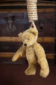 Another teddy hanged - Teddy bear hanged by the rope