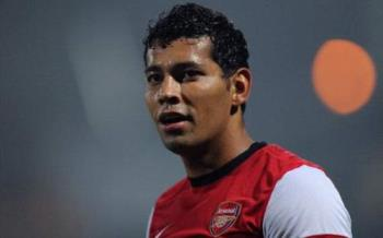 Andre Santos is a better after his swapping of shi - Andre Santos is a better after his swapping of shirts fiasco with RVP.