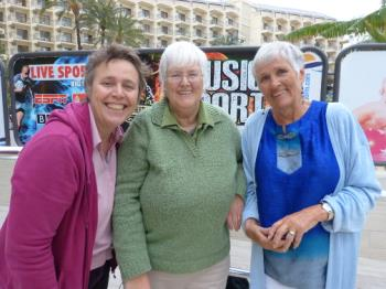 @sueznewz2 @maggs224 and @jaboUK  You can see we three raise the tone in Benidorm