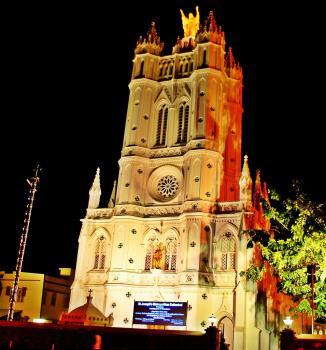 https://upload.wikimedia.org/wikipedia/commons/2/28/St._Joseph%27s_Cathedral%2C_Trivandrum_44.jpg