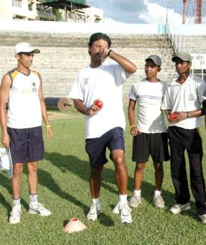 cricket coaching at our city - criket....