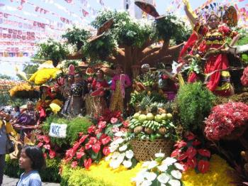 Kadayawan 2005 float - floral float, winner!