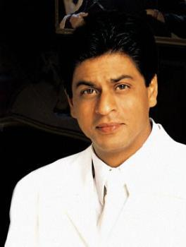 shahrukh-khan-1 -  He then played a minor role in the serial Circus (1989)which depicted the life of circus performers. The acting stint in Fauji caught the attention of Hema Malini who reportedly recruited him to act in the film Dil Aashna Hai which was to be directed by Malini.However this release was delayed and his debut film was Deewana (1992), where he starred opposite the late actress Divya Bharti.   As Raj in Dilwale Dulhania Le Jayenge (1995)  He attracted attention 1993 with his performances in Baazigar and Darr, in which he played anti-hero and obsessive-lover roles respectively. In 1995 he starred in Dilwale Dulhania Le Jayenge which was a critical and commercial success,and remains one of the highest grossing Bollywood films.