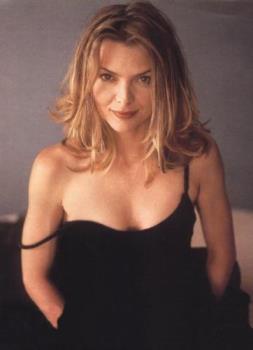 Michelle Pfeiffer pic - Cute Pfeiffer pic.