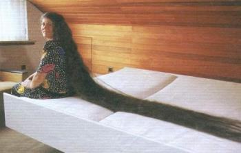 Long Hair - I prefer girl to have long hair.