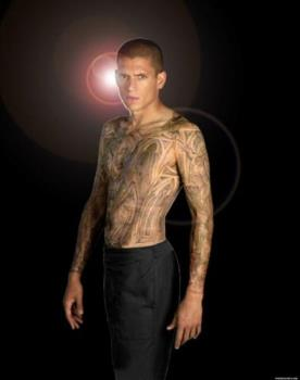 Michael Scofield's awesome tattoo - The tattoo were all the breaking out started.