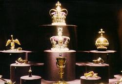 Crown Jewels - Crown jewels in London. They're beautiful!