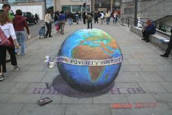 GLOBE - chalk drawing - Globe - 3D chalk drawing