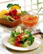 I love salad :) - I love to eat salad :)