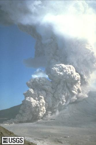 pyroclastic flow - pyroslactis flows frok a volcano