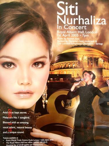 Siti Nurhaliza Live at Royal Albert Hall London.. - An outstanding performance by Siti Nurhaliza at Royal Albert Hall London on 1st April 2005....