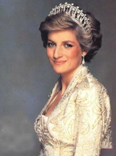 Diana - she was the wife of Charles of England. Had a fairy tale wedding and had two sons from the marriage. She was popular among the people around the world for her down to earth nature. She died in a tragic death in a Car accident in France.