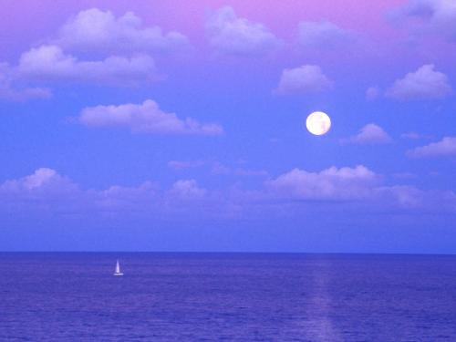 Enchanted Moonrise, Cancun, Mexico - 1600x1200 - - Destination - Enchanted Moonrise, Cancun, Mexico - 1600x1200 -............ Best locations from around the world ... Truly an adventurer's paradise...High Resolution Photography