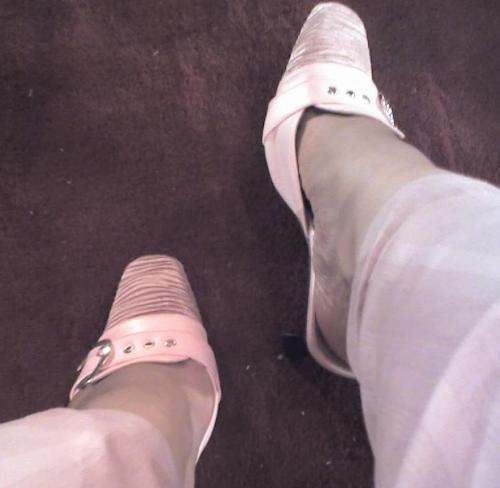 my feet :$ - wat shuld i do