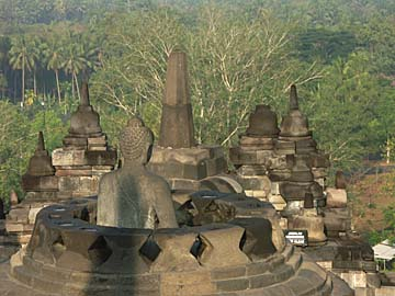 borobudur - The borobudur was located in the Javanese island And his scenery was very very picturesque