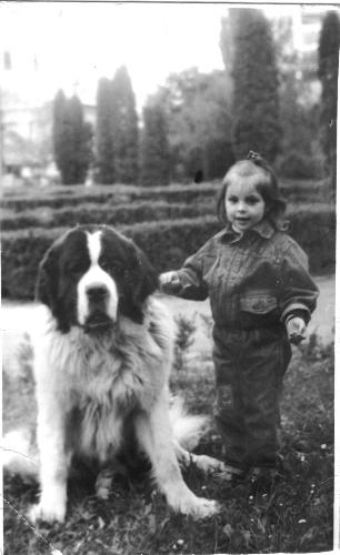 Me and my bodyguard!!! - When she was about 3 years old, my daughter had the best bodyguard in the world.