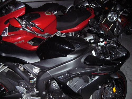 red bikes or black bikes??? - Red or black????
