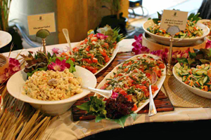 hawaiian food - raditional hawaiian food such as kalua pig, lau lau, lomi lomi salmon, and modern favorites such as the loco moco, Spam misubi, Portuguese bean soup, curry stew, tropical drinks, and more.