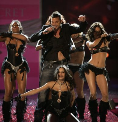 ricky martin - ricky martin live at victoria's secret fashion show.