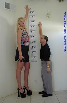 The tallest woman in the world!!! - The tallest woman in the world!!!