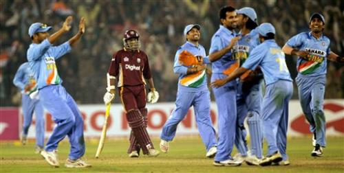 india victory - the victorious indian team celebrating