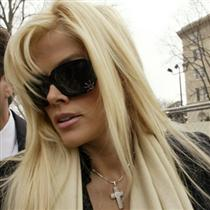 Anna Nicole is Dead - Anna Nicole Smith was mourning the death of her 20-year-old son who died in her hospital room last year where she had given birth to a daughter.