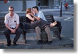 kiss in public - Kiss in public an ashame?