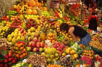 Fruit - Young lady purchasing fruits