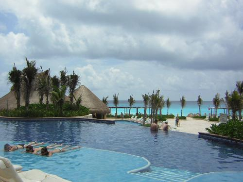 Travel Agent Holidays in Mexico - My Holiday in Cancun, Mexico. A freebie, a perk of the Job being a travel agent!