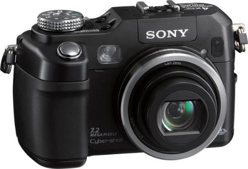 Sony DSC V3 - This cybershot camera has a 7.2 CCD megapixel sensor.