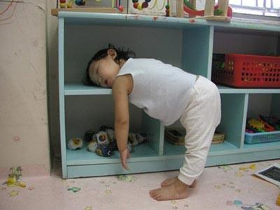 sleeping kid - fall asleep anywhere