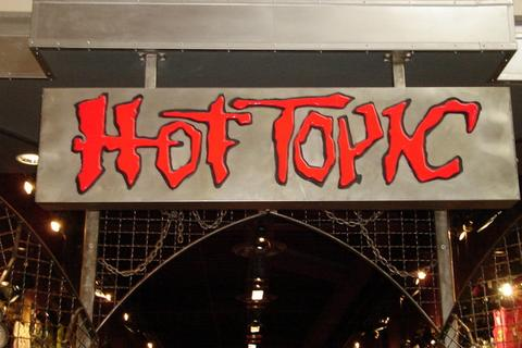 Topic - Hot Topic sign board