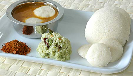 Idli is very Deadly.....:) - I love IDLI. My favourite breakfast meal...What about you friends?