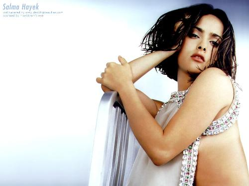 salma hayek - salma hayek is very hot in this picture i hv downloaded this from internet and sharing with all of you.