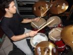 I want to play drums.. - I enjoy playing drums..