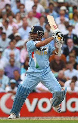 Brilliant knock! - Sachin Tendulkar was unfazed by the target and unfurled his strokes. The pitch was just as good to bat on and he cashed in