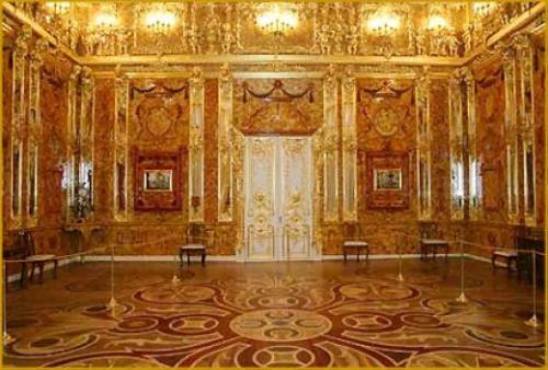 The Room That Vanished - he magnificent Amber room in the summer Palace outside St Petersburg