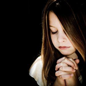 A child praying - 299 x 300 - 12k